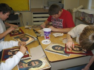 1300x975_Making icons at Fr. Robinson 003